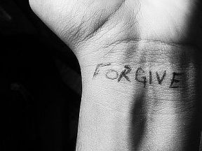 article-new-ehow-images-a04-gj-l6-forgive-yourself-hurt-someone-800x800